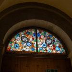 Kirchenfenster von Sigmar Polke im Grossmünster in Zürich
