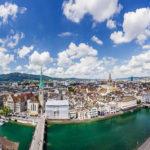 Ausblick auf Zürich und den Zürisee vom Karlsturm des Grossmünsters