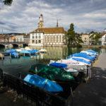 Blick auf die Wasserkirche und das Grossmünster in Zürich