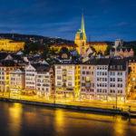 Abendlicher Ausblick vom Lindenhof auf Zürich