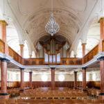 Innenansicht der Pfarrkirche St. Peter in Zürich