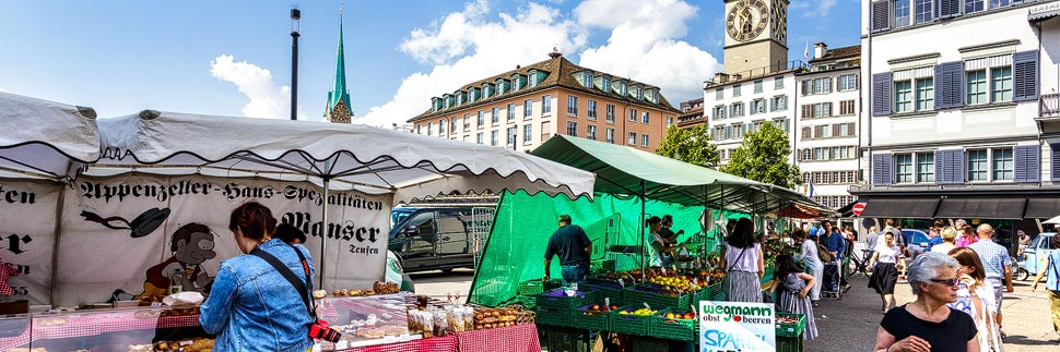 Markt auf der Rathausbrücke in Zürich