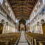 Innenansicht der Liebfrauenkirche in Zürich
