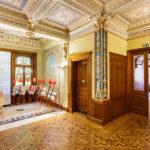Innenansicht der Villa Patumbah in Zürich