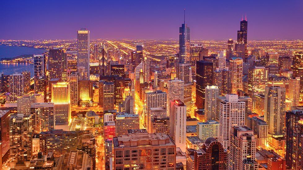 Beleuchtete Skyline von Chicago