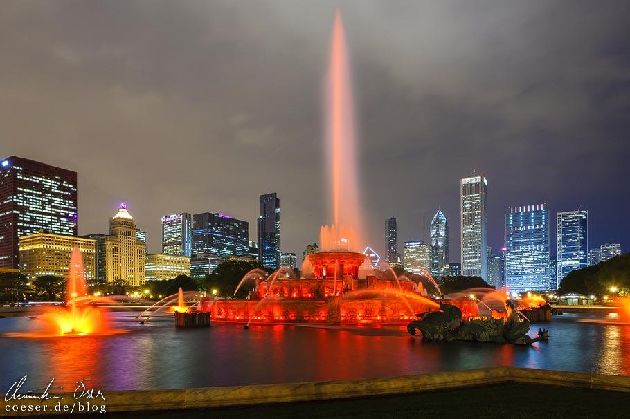 Buckingham Fountain und Skyline von Chicago