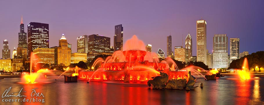 Panorama des Buckingham Fountain und der Skyline von Chicago