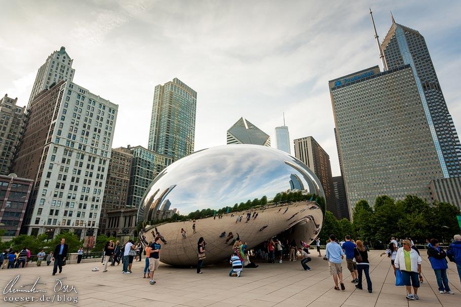 Cloud Gate (The Bean) im Millennium Park von Chicago