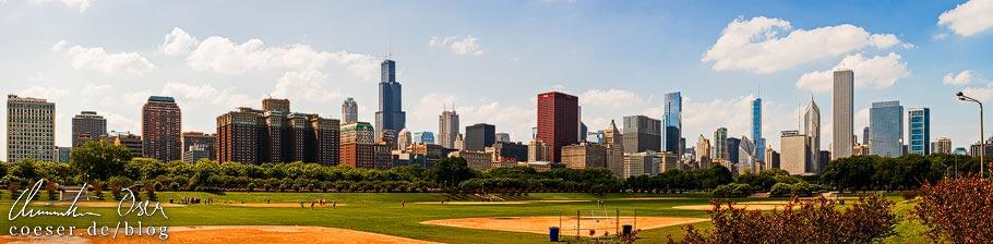 Panorama der Skyline von Chicago vom Grant Park aus gesehen