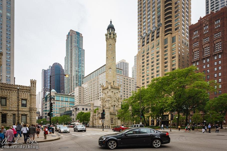 Water Tower auf der Magnificent Mile von Chicago