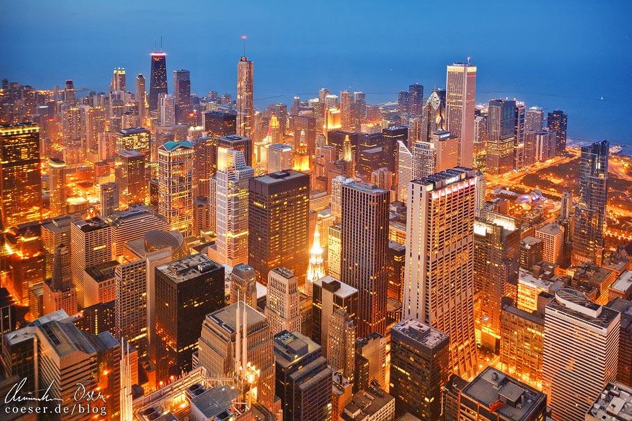 Skyline von Chicago und Lake Michigan vom Skydeck Chicago (Willis Tower) aus gesehen