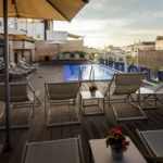 Dachterrasse mit Pool im Hotel H10 Art Gallery in Barcelona