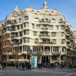 Außenansicht der Casa Milà von Antoni Gaudì in Barcelona