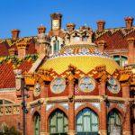Detailansicht eines Pavillons im Hospital de Sant Pau von Lluís Domènech i Montaner in Barcelona