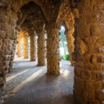 Arkadengang im Park Güell von Antoni Gaudì in Barcelona
