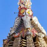Detailansicht eines Turms der Sagrada Família von Antoni Gaudì in Barcelona