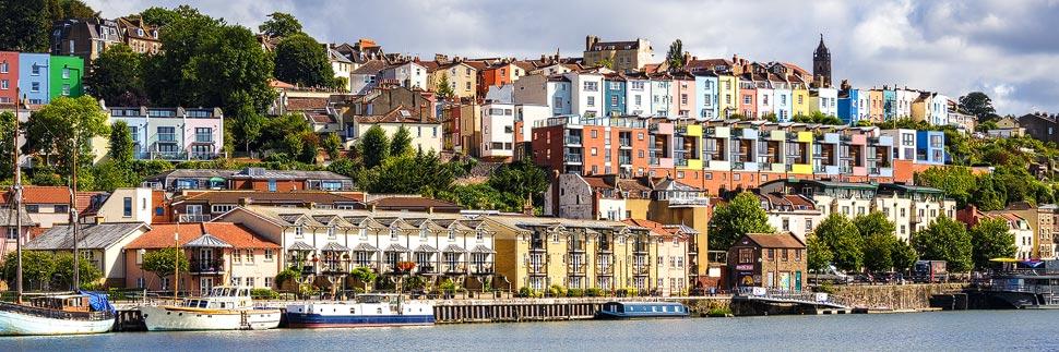 Bunte Häuser im Viertel Clifton Village in Bristol