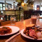 Frühstück in der Mackenzies Cafe Bar