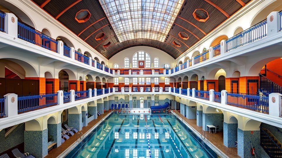 Die Jugendstil-Schwimmhalle im Jörgerbad in Wien
