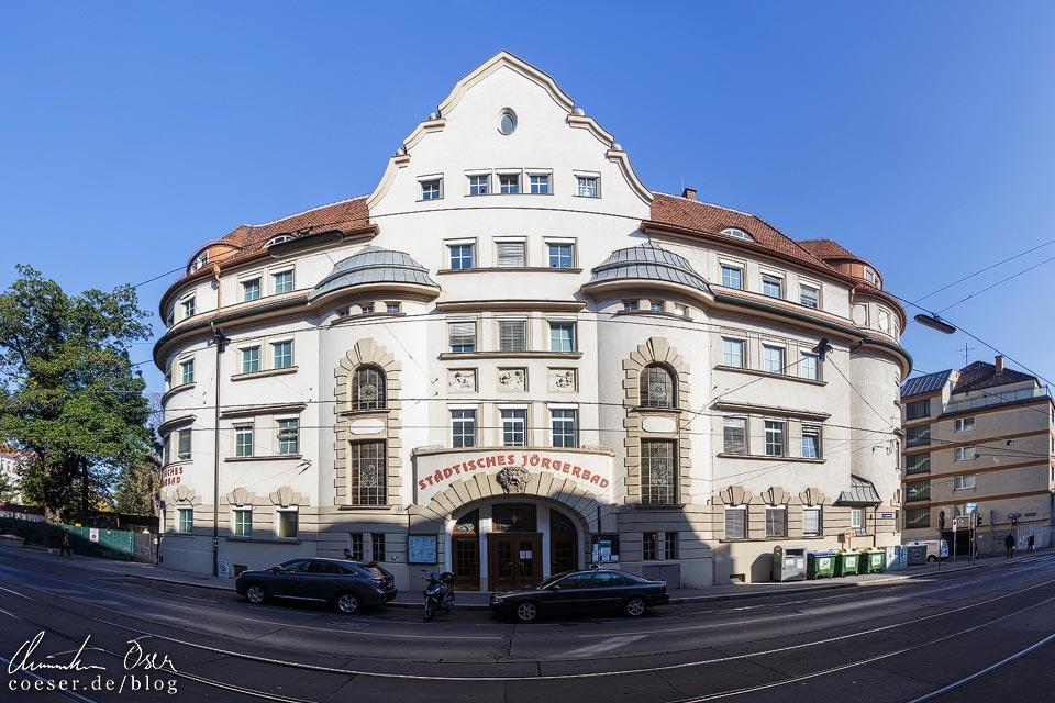 Außenansicht des Jörgerbads in Wien