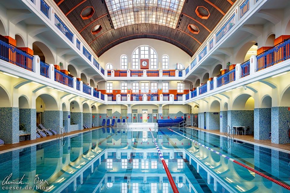 Große Schwimmhalle im Jörgerbad in Wien