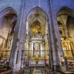 Innenansicht der Kirche Basílica de Santa Maria del Pi in Barcelona