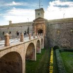 Zugang zum Schloss Castell de Montjuïc in Barcelona