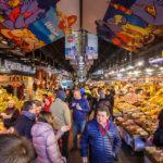 Innenansicht der Markthalle Mercat de la Boqueria