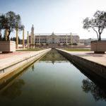 Wasserbecken vor dem Olympiastadion Estadi Olímpic Lluís Companys