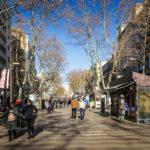 Flaniermeile La Rambla in der Nebensaison ohne Massen an Touristen