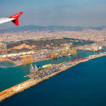 Blick auf Barcelona während des Landeanflugs auf den Flughafen El Prat
