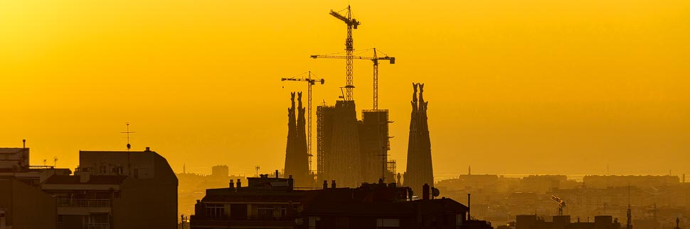 Silhouette der Sagrada Familia in Barcelona
