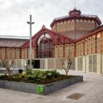 Außenansicht der Markthalle Mercat de Sant Antoni in Barcelona