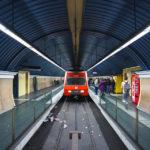 Metro L7 in der Endstation Avinguda del Tibidabo in Barcelona