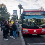 Buslinie 150 vor dem Castell de Montjuïc in Barcelona