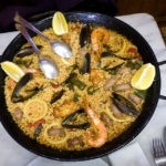 Meeresfrüchtepaella in der Bar Cal Chusco in Barcelona