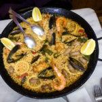 Meeresfrüchtepaella in der Bar Cal Chusco in Barcelona