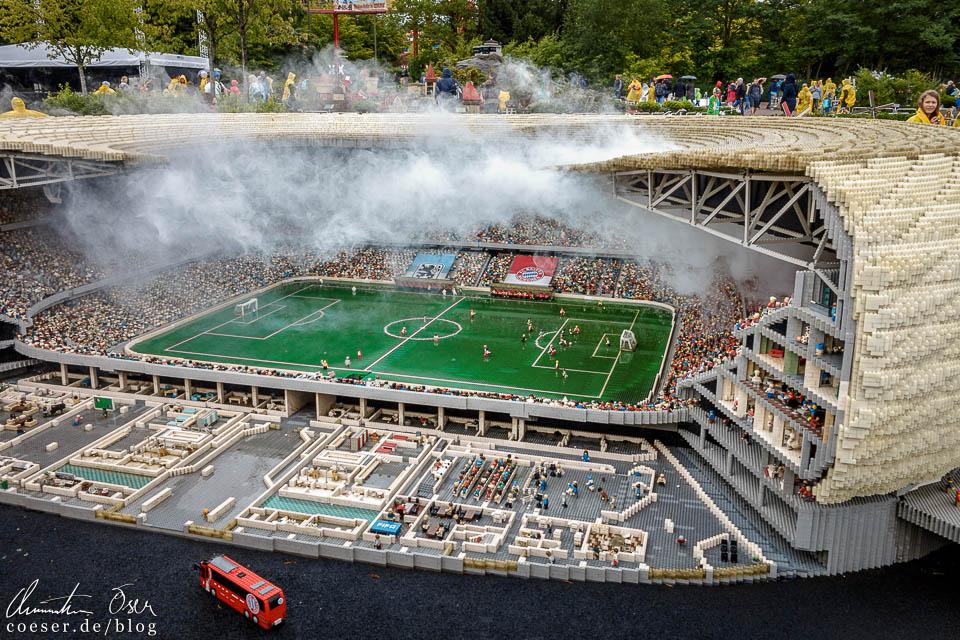 Münchner Allianz Arena mit 30.000 Figuren im Legoland Deutschland Resort in Günzburg