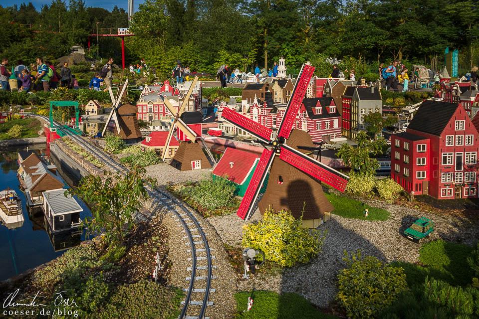 Niederländisches Windmühlendorf im Legoland Deutschland Resort in Günzburg