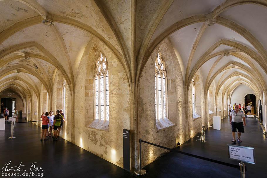 Gotischer Kreuzgang im Dominikanerkloster in Ptuj