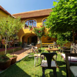 Innenhof im Muzikafe Bed & Breakfast in Ptuj