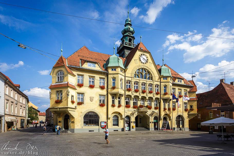 Das Rathaus von Ptuj mit seiner prachtvollen Fassade