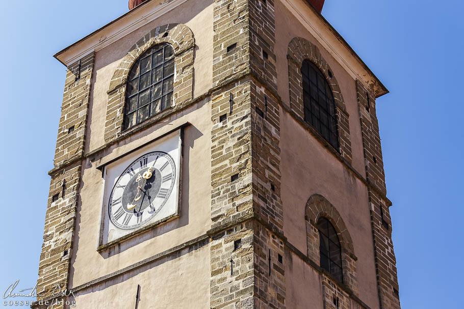 Die Uhren auf dem Stadtturm von Ptuj