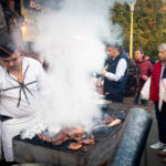 Grillstation während des Haiducilor-Festivals im National Park (Parcul Național) in Bukarest