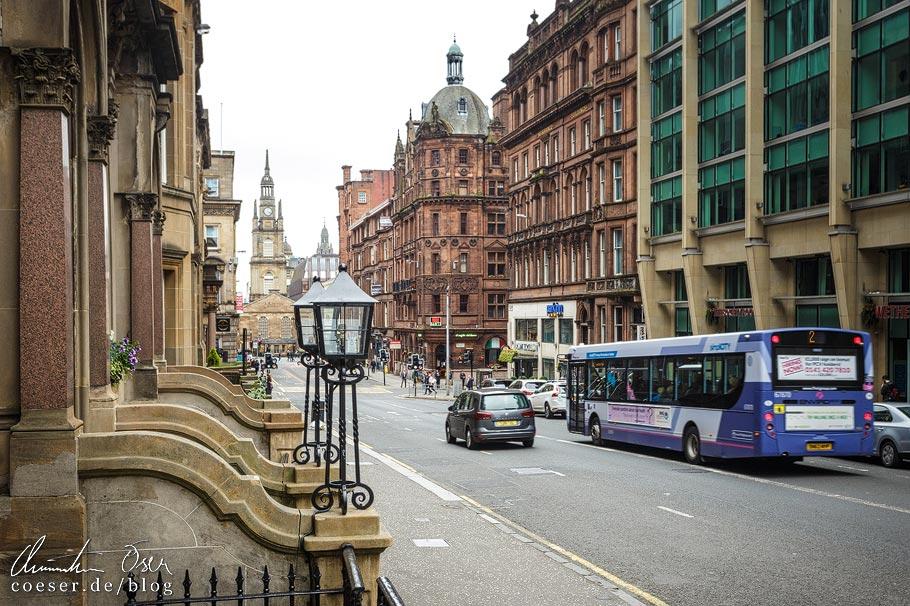 Blick auf die Kirche St. John's Tron in der West George Street in Glasgow
