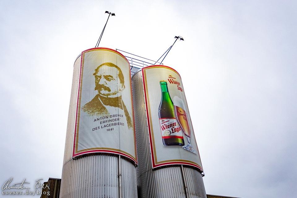 Plakat von Anton Dreher sen. und vom Wiener Lager in der Brauerei Schwechat