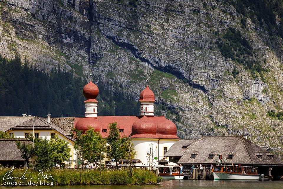 Wallfahrtskirche St. Bartholomä vor der Ostwand des Watzmanns am Königssee