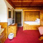 Doppelzimmer mit getrennten Betten im Hotel Krone in Berchtesgaden