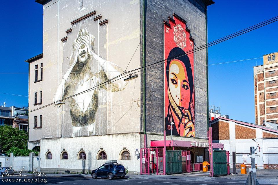 Murals auf dem Ankerbrotturm von Faith47 und Shepard Fairey in Wien