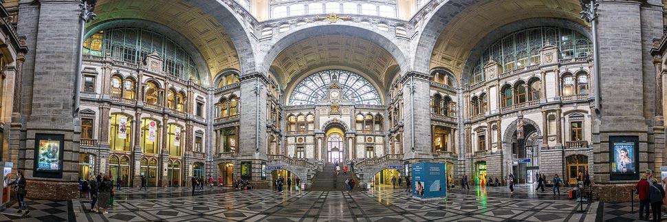 Haupthalle des Hauptbahnhofs in Antwerpen